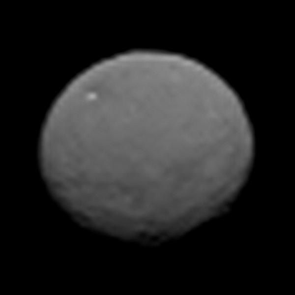 New images of Ceres hint at interesting features