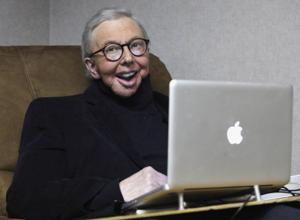 Movie critic Ebert, who gave a big thumbs-up to life, dies