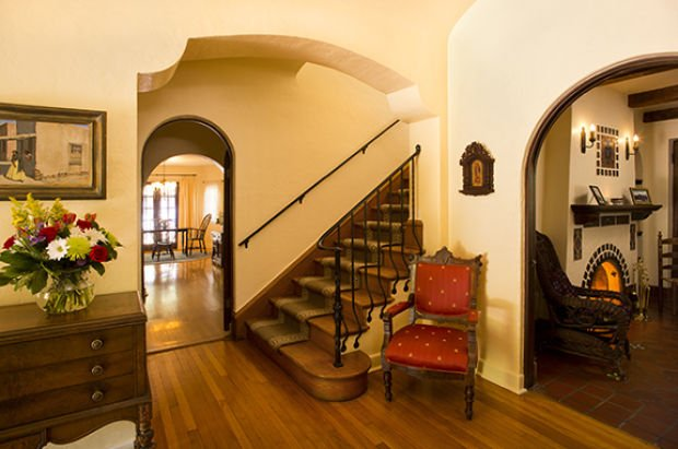 Photos: Linda Ronstadt's Tucson home gets cheaper