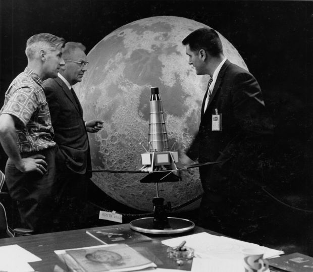 LPL hosts open house for lunar anniversary