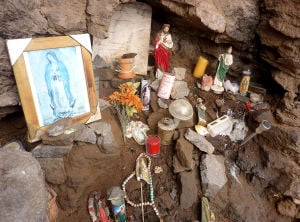 "Piden a autoridades remover altar del Cerro de la ""A"""