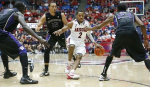 Arizona Wildcats beat Washington 70-52