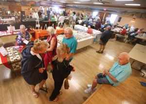 RV resort's market draws a crowd