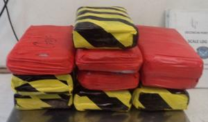 Federal officers find $354,000 in drugs at border crossing