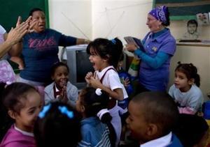 Cubanos esperan futuro mejor por acuerdo Cuba-EEUU