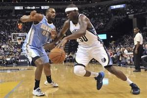 Con defensa y 'doble doble' de Randolph, Grizzlies arrollan