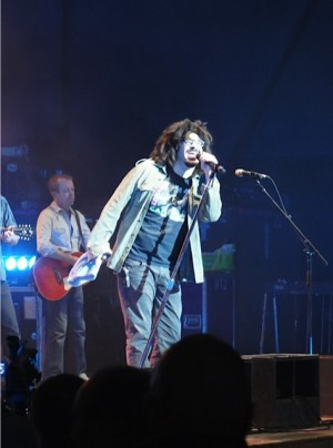 Review: Counting Crows at Casino del Sol's AVA