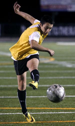 Prep picks: Soccer, wrestling ready to start postseasons