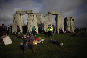 Photos: Stonehenge started as huge graveyard, researchers say
