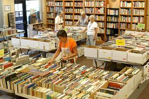 Oro Valley book sale