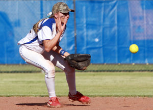 Marana Vs Desert Ridge Softball: Taylor Walker gets in front of the ball as a grounder comes in at second base.  - Randy Metcalf/The Explorer