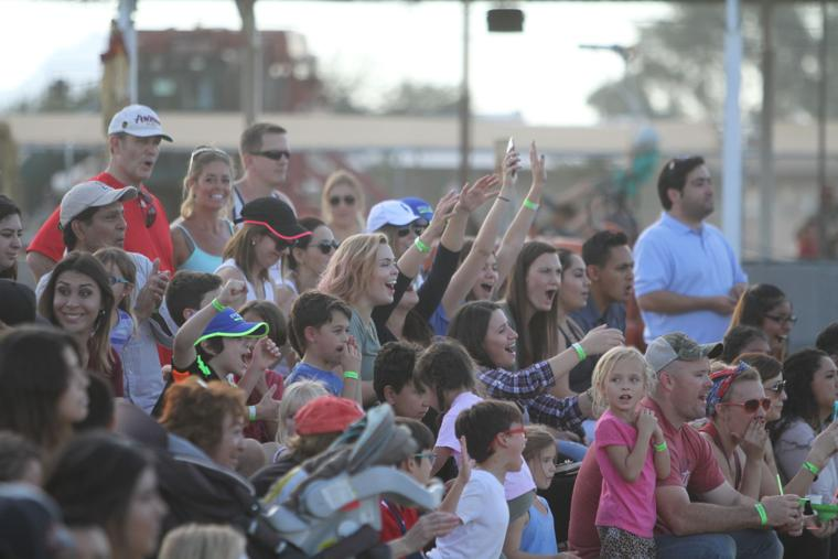 Marana Pumpkin Patch & Farm Festival 2016 Crowd