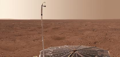Scientist find water on Mars, extend mission