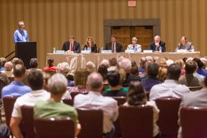 Oro Valley candidate forum reaches round two