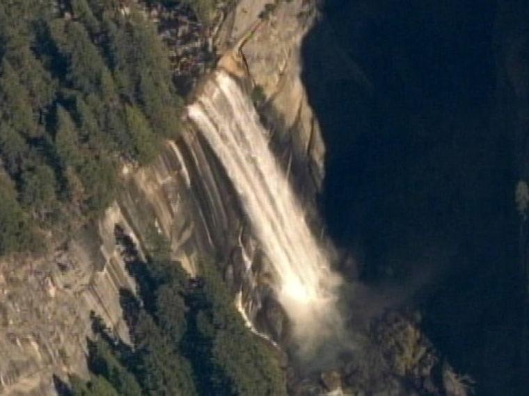 Yosemite teen swept off waterfall