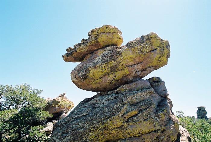 'Standing up rocks' in Chiricahuas