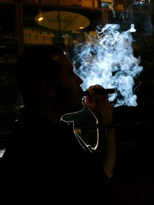 Study finds truths about smoking, links to poverty