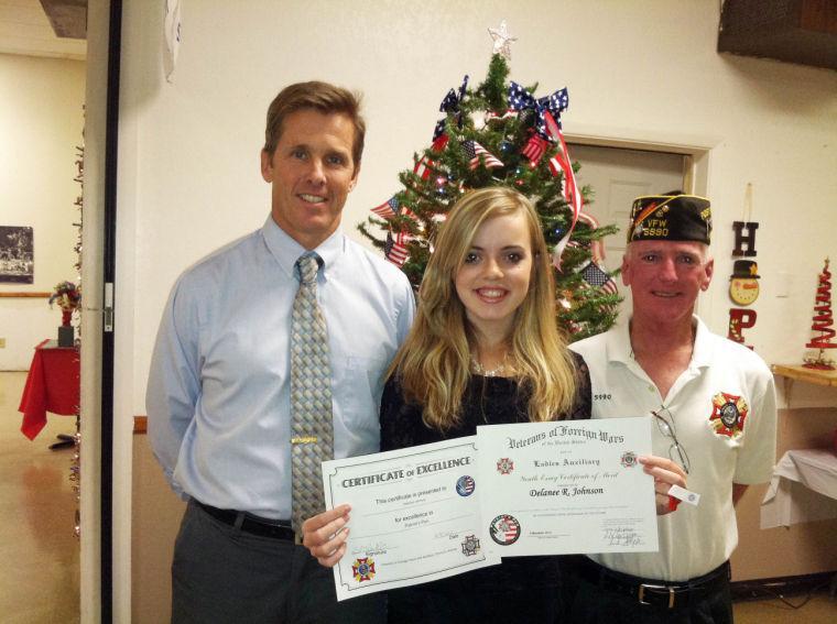 Tortalita teacher receives award