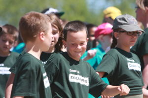 Drug Awareness Day: Wilson K-8 SchoolÕs Bryce Johnston, right, and Jake Steinman dance during the starting activities at Oro ValleyÕs Drug Awareness Day.  - Randy Metcalf/The Explorer
