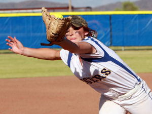 Marana Vs Desert Ridge Softball: Sierra Cuestas catches a line drive down the third base line.  - Randy Metcalf/The Explorer