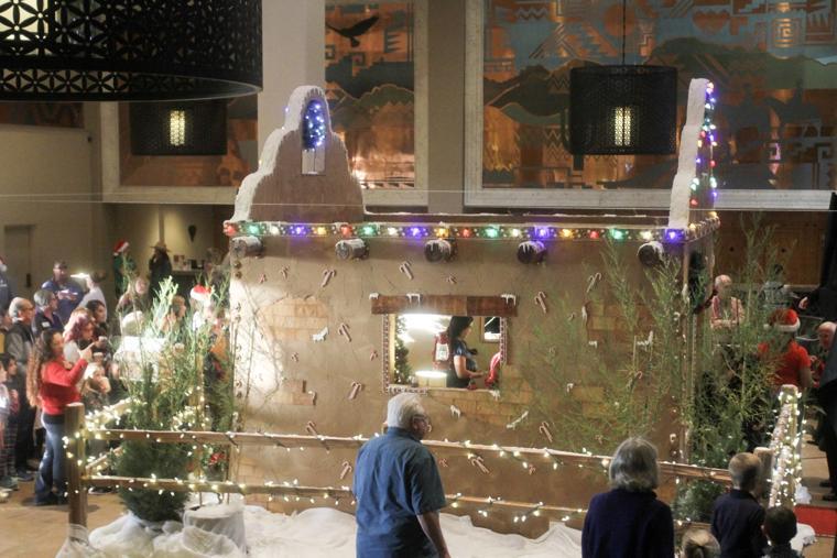 El Conquistador life-size gingerbread house unveiling 2016