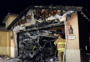 Garage, vehicle burn in Marana