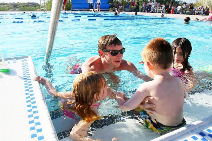 Splash, to get young feet wet