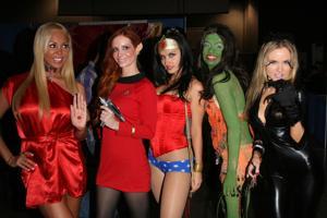 Mary Carey, Phoebe Price, Wonder Woman, Alicia Arden and Paula Labaredas at Long Beach Comic-Con Da