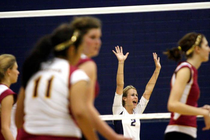 Ridge spikers beat Salpointe in 3