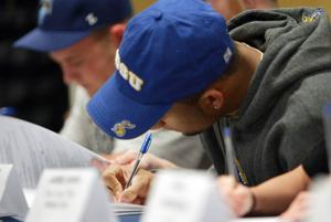 NW students sign letters-of-intent 3