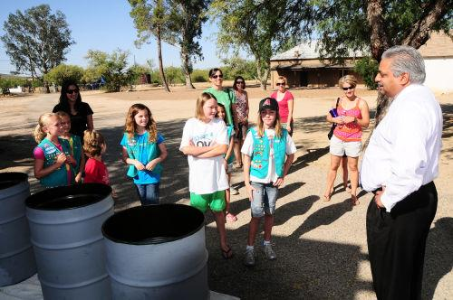 girl scouts help clean up oro valley   tucson local media