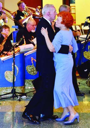 Marana Senior Prom provides dancing, fun
