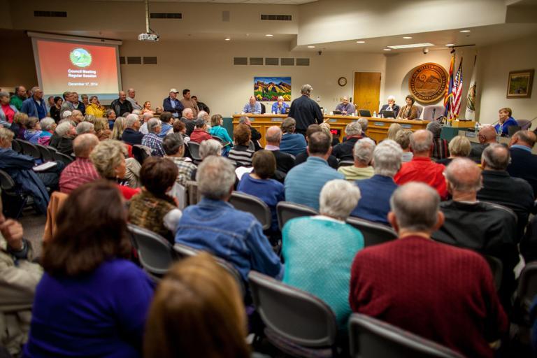 Despite skeptics, Oro Valley council approves golf course purchase
