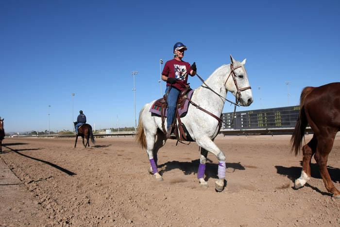 As racing season opens, two share their love for Rillito