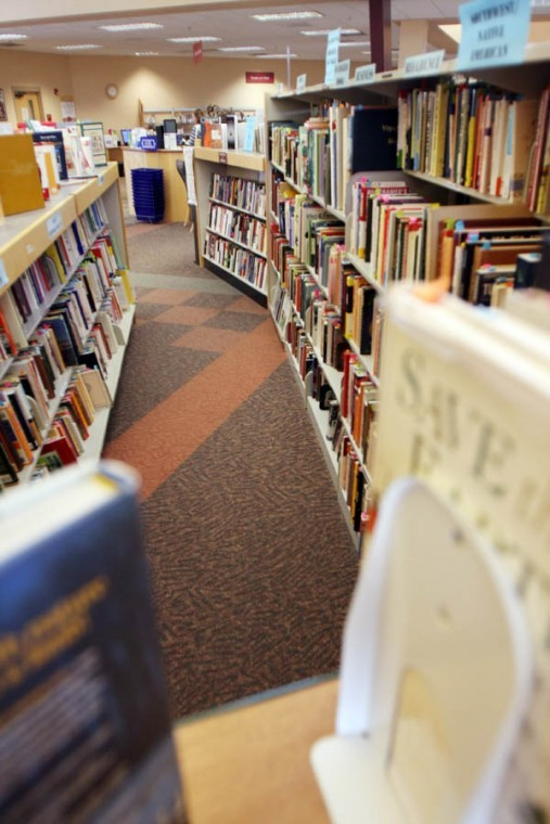 Oro Valley Public Library stacks