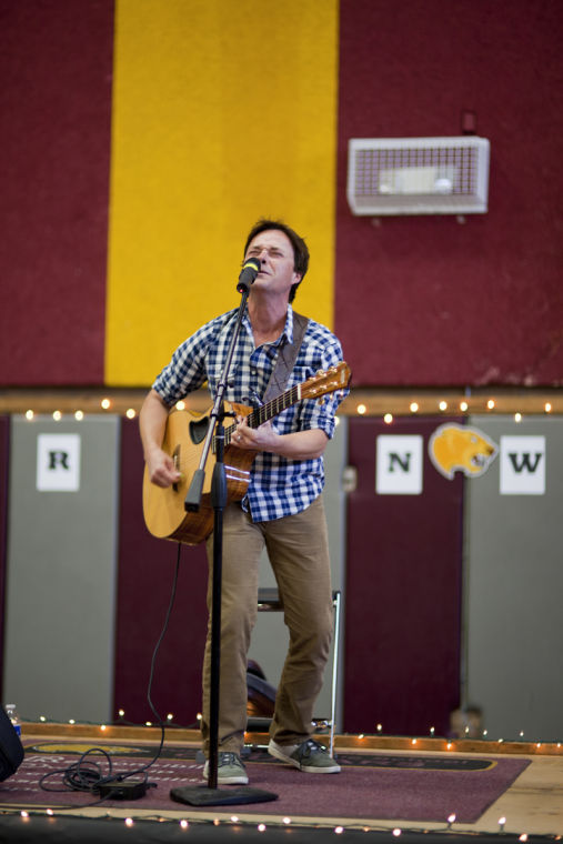 Country music artist Bryan White