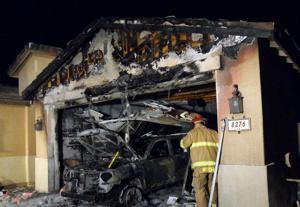 Garage, vehicle burn in Marana