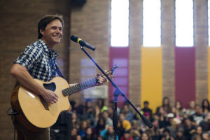 """Country Music Artist Bryan White: Bryan White sang songs off his eighth studio album, entitled """"Dustbowl Dreams."""" - Randy Metcalf/The Explorer"""