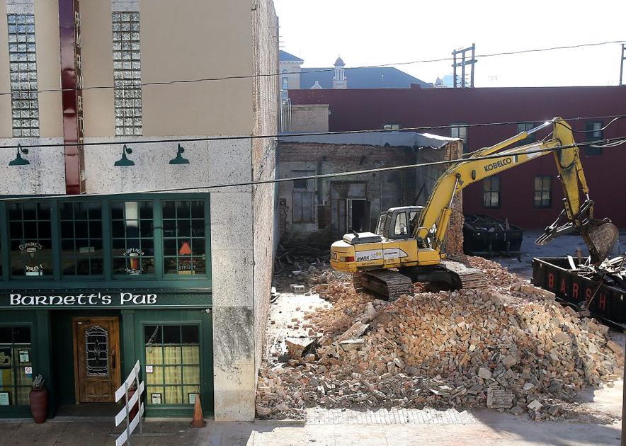 95 year old downtown waco building demolished wacotrib for Waco builders