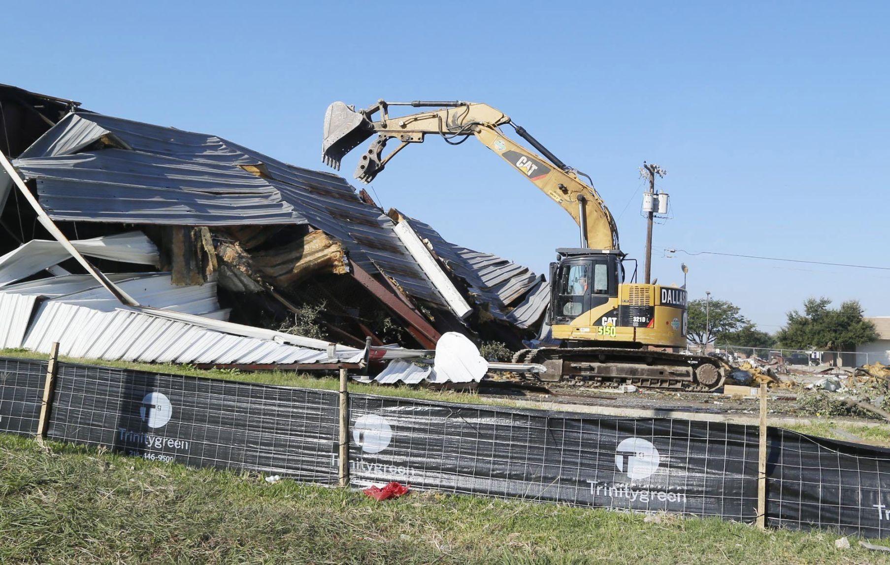 Karr motors site demolition begins on valley mills drive for Richard karr motors waco texas