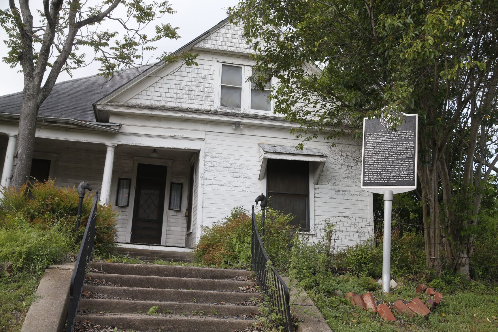 slipping away in search of waco s most endangered historic