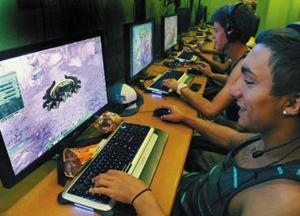 Sales slump in video games accompanies shift to mobile