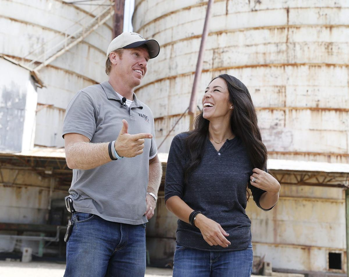 new season of hgtv fixer upper starring waco couple begins business. Black Bedroom Furniture Sets. Home Design Ideas