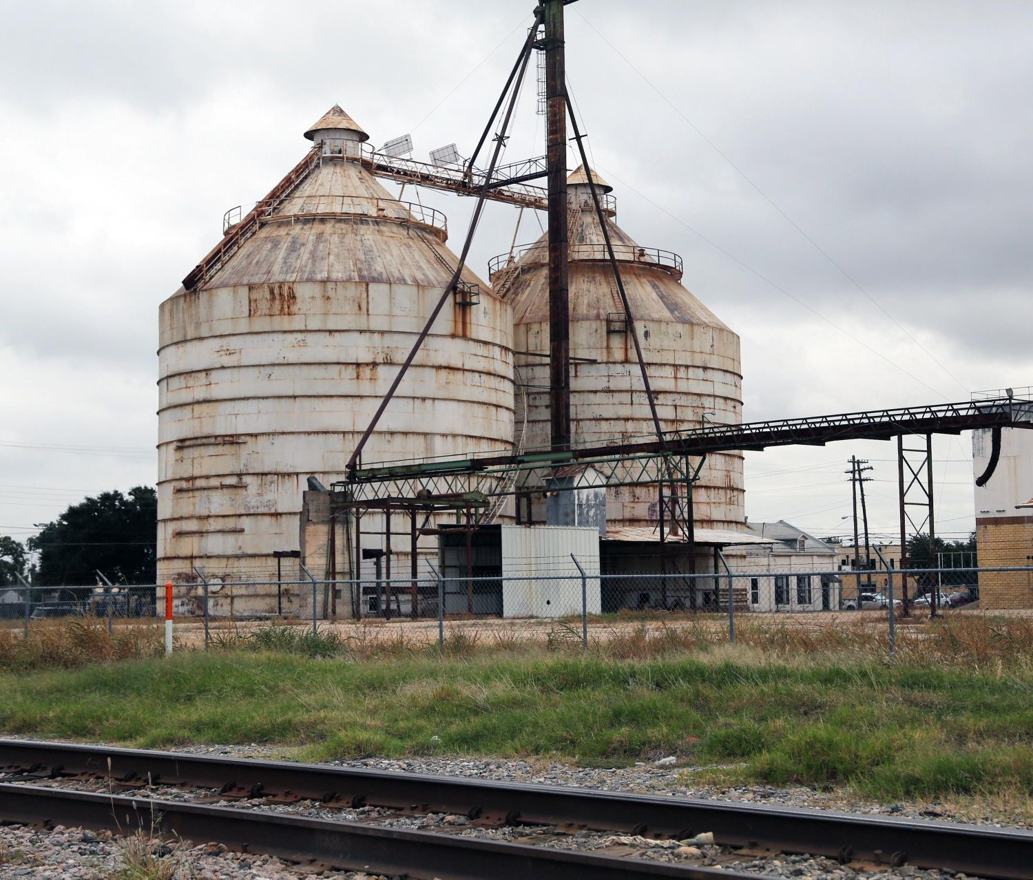 hgtv fixer upper stars see downtown waco silo project autos post. Black Bedroom Furniture Sets. Home Design Ideas