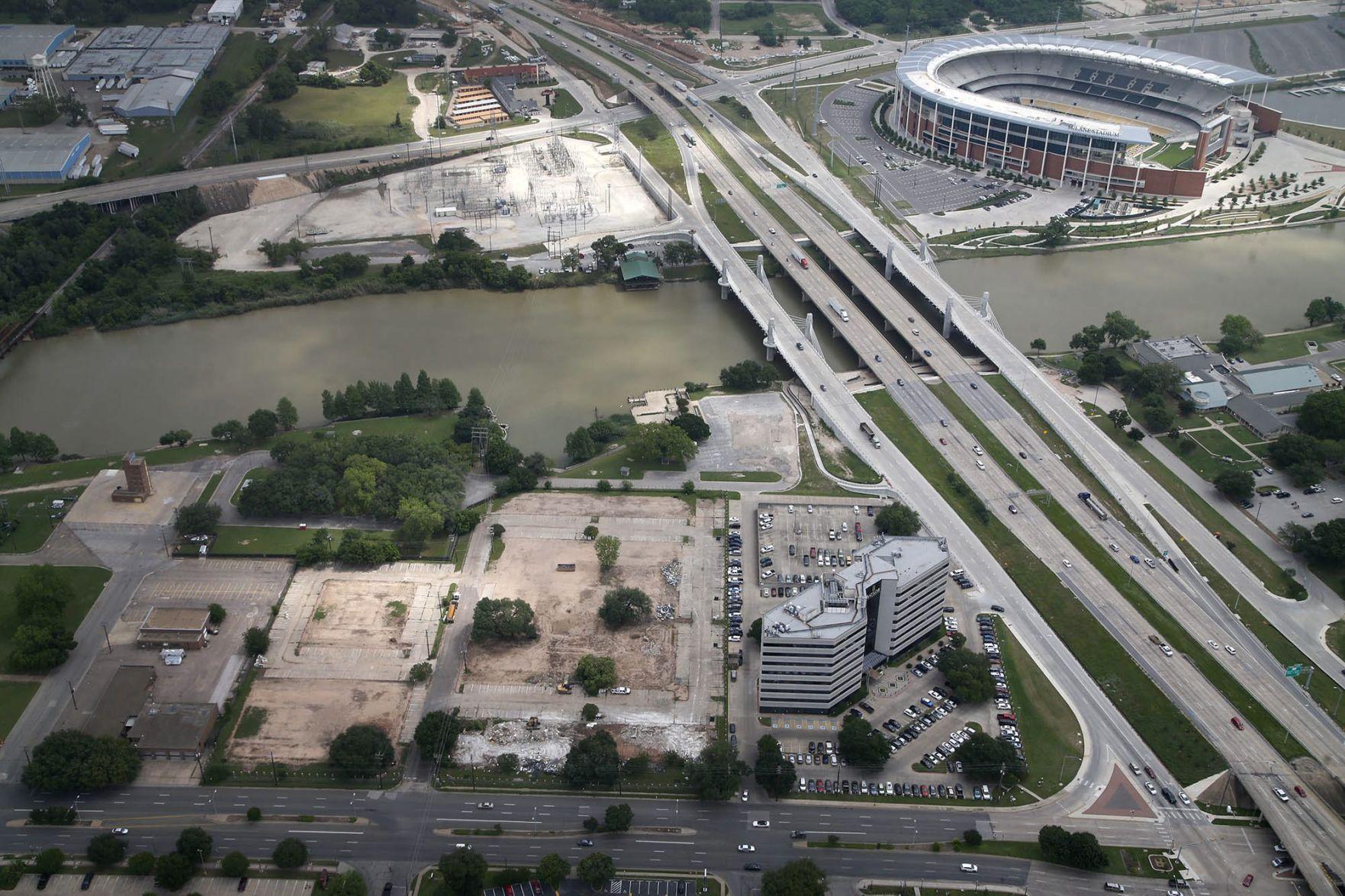 Downtown riverfront development