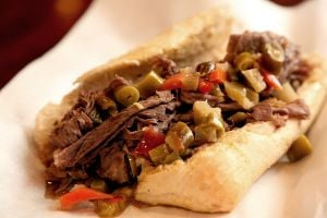 WiseGuys eatery captures taste of Chicago in Waco