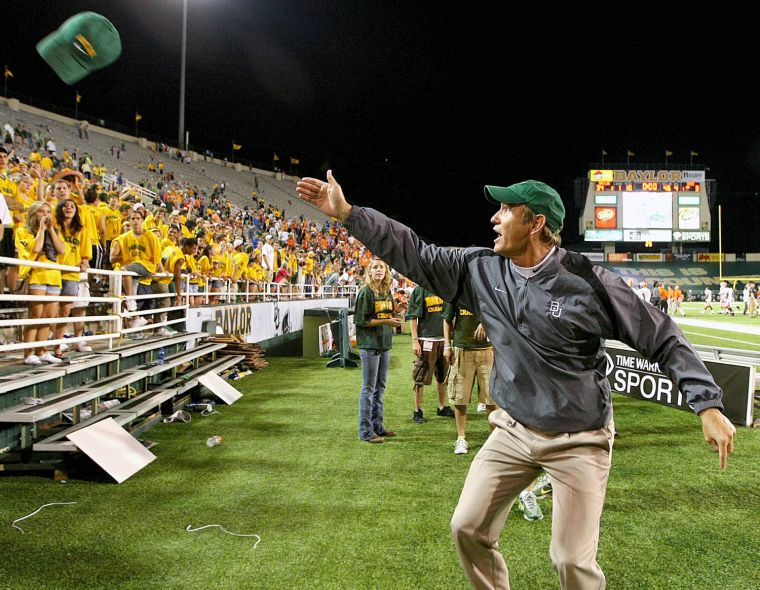 In briles sixth season baylor bears poised for greater for Window world waco