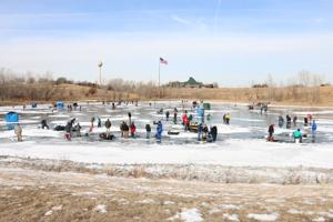 Ice fishing clinic shakes off cabin fever