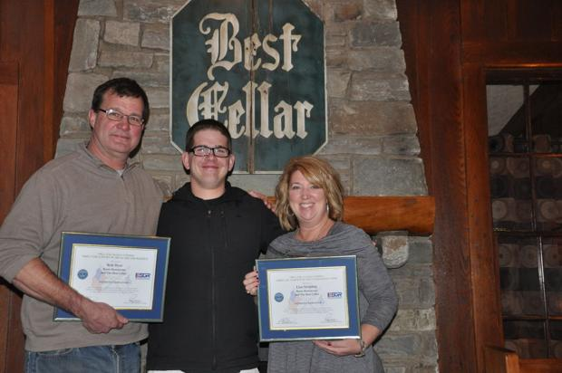 Restaurant owners honored by Army Reserve