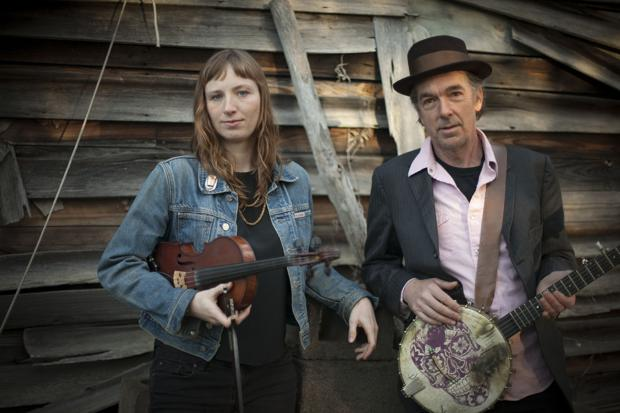 Acoustic duo Richie and Rosie perform at the Jones House Oct. 4